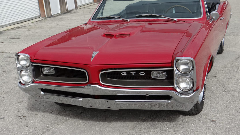 1966 Pontiac GTO Convertible 389 CI, Automatic presented as lot T93 at Kissimmee, FL 2014 - image6