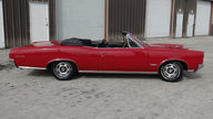 1966 Pontiac GTO Convertible 389 CI, Automatic presented as lot T93 at Kissimmee, FL 2014 - thumbail image2