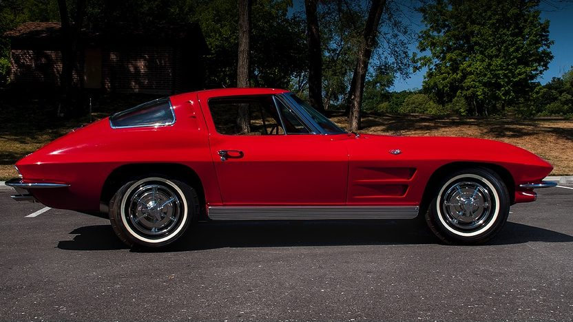 1963 Chevrolet Corvette Split Window Coupe 327/340 HP, 4-Speed presented as lot S92 at St Charles, IL 2012 - image3