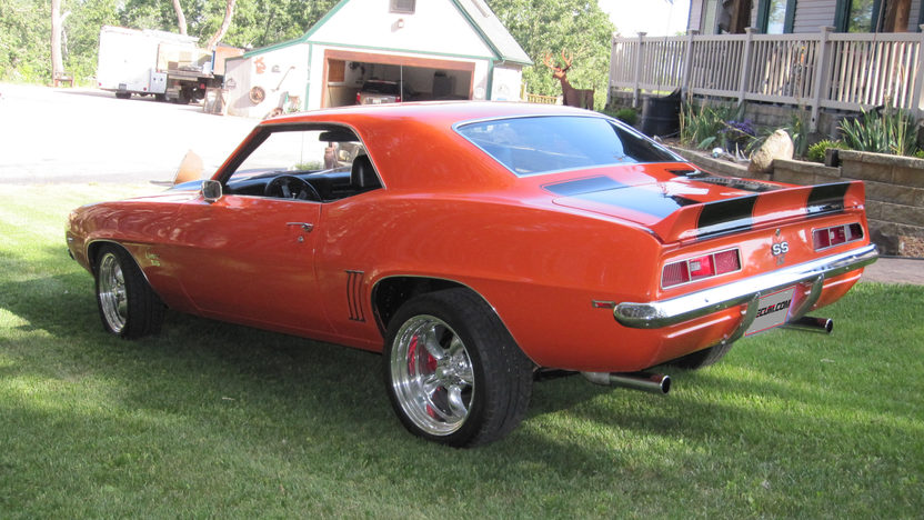 1969 Chevrolet Camaro Resto Mod LS2, Automatic presented as lot S175 at St Charles, IL 2012 - image7
