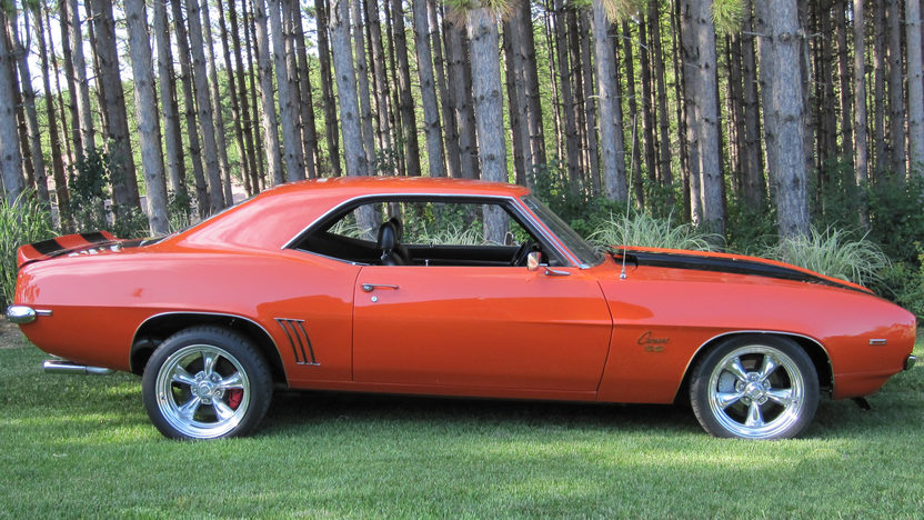 1969 Chevrolet Camaro Resto Mod LS2, Automatic presented as lot S175 at St Charles, IL 2012 - image8
