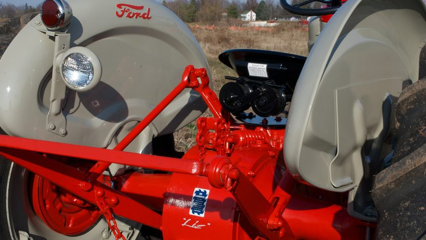 1961 Ford 801 Tractor presented as lot S45 at Walworth, WI 2011 - image3