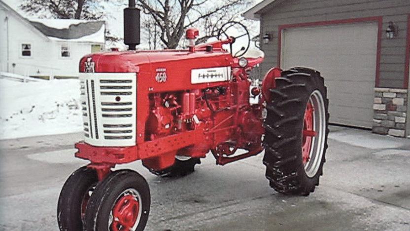 1957 farmall 450 diesel tractor mecum walworth 2011 s61. Black Bedroom Furniture Sets. Home Design Ideas