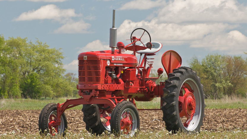 1953 Farmall Super H Tractor presented as lot S33 at Walworth, WI 2010 - image3