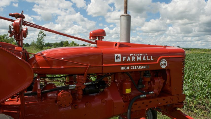1953 Farmall Super H Tractor presented as lot S33 at Walworth, WI 2010 - image5