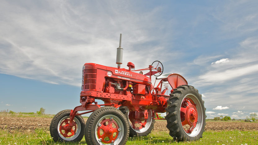 1953 Farmall Super H Tractor presented as lot S33 at Walworth, WI 2010 - image7