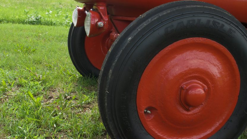 1950 Farmall O-6 Orchard Tractor presented as lot S36 at Walworth, WI 2010 - image7