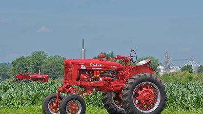 1954 Farmall Super MDV TA Tractor
