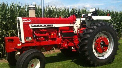 1966 Farmall 1206D Tractor