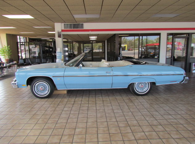1975 Chevrolet Caprice Convertible 400 CI, Automatic presented as lot T12 at Houston, TX 2013 - image2