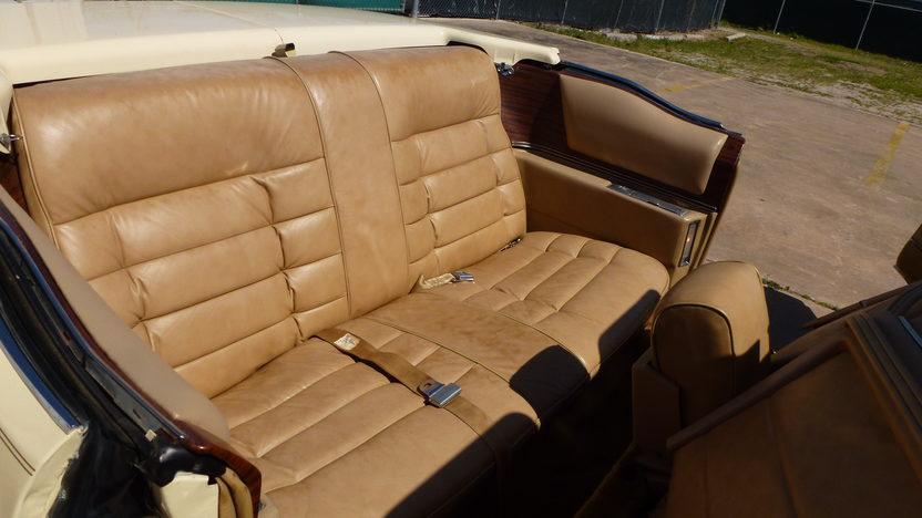1976 Cadillac Eldorado Convertible 500 CI, Automatic presented as lot T27 at Houston, TX 2013 - image6