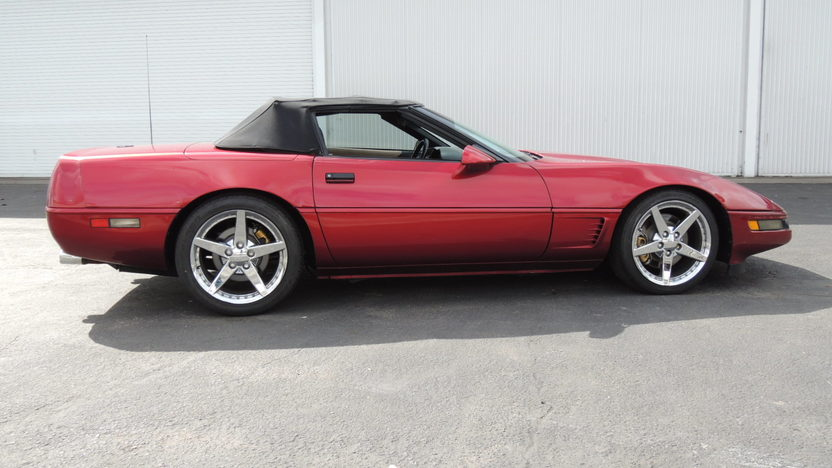 1995 Chevrolet Corvette Convertible 350 CI, Automatic presented as lot T72 at Houston, TX 2013 - image2