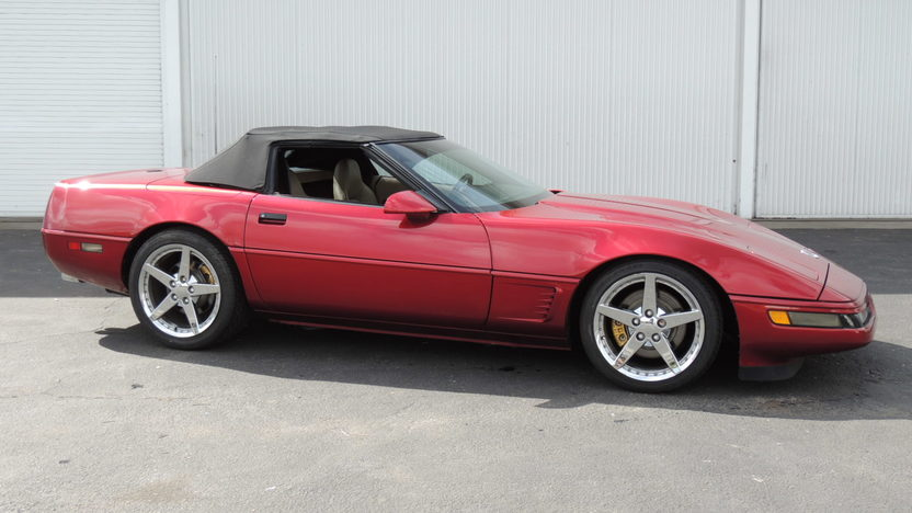1995 Chevrolet Corvette Convertible 350 CI, Automatic presented as lot T72 at Houston, TX 2013 - image8