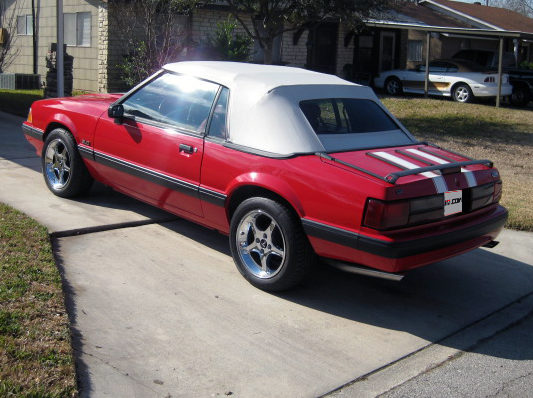 1990 Ford Mustang Convertible 5.0L, Automatic presented as lot T90 at Houston, TX 2013 - image7