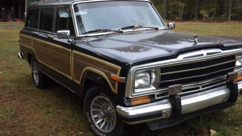 1988 Jeep Grand Wagoneer presented as lot T97 at Houston, TX 2013 - image3