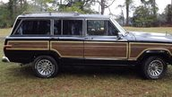 1988 Jeep Grand Wagoneer presented as lot T97 at Houston, TX 2013 - thumbail image2