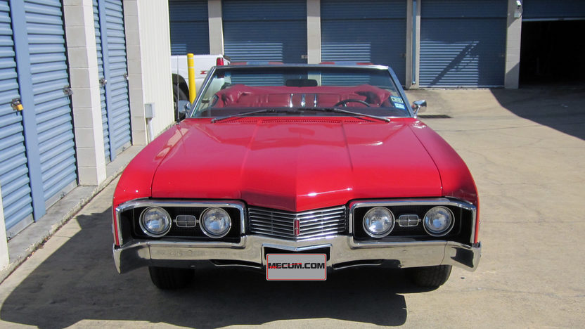 1967 Oldsmobile Delta 88 Convertible 425 CI, Automatic presented as lot T111 at Houston, TX 2013 - image8