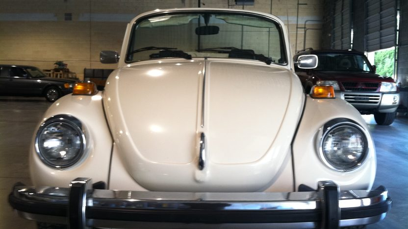 1976 Volkswagen Super Beetle Convertible presented as lot T116 at Houston, TX 2013 - image5