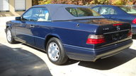 1995 Mercedes-Benz E320 Convertible presented as lot T142 at Houston, TX 2013 - thumbail image2
