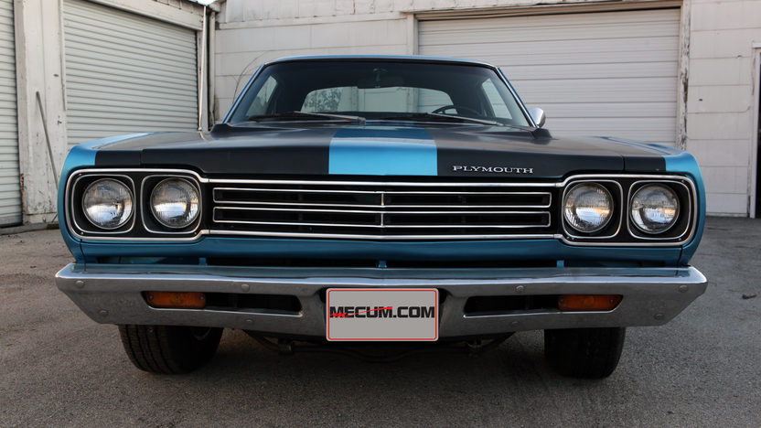 1969 Plymouth Road Runner 383 CI, Automatic presented as lot T173 at Houston, TX 2013 - image11