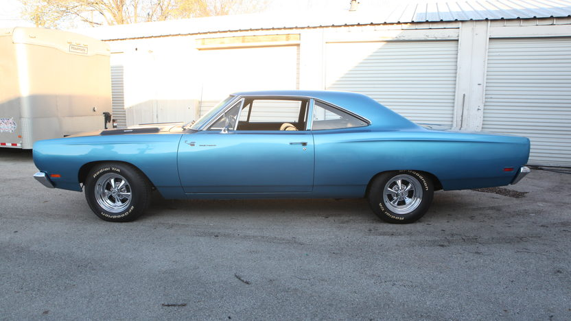 1969 Plymouth Road Runner 383 CI, Automatic presented as lot T173 at Houston, TX 2013 - image2
