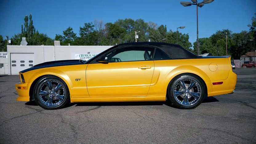 2007 Ford Mustang GT Convertible 4.6/452 HP, 5-Speed presented as lot T183 at Houston, TX 2013 - image5