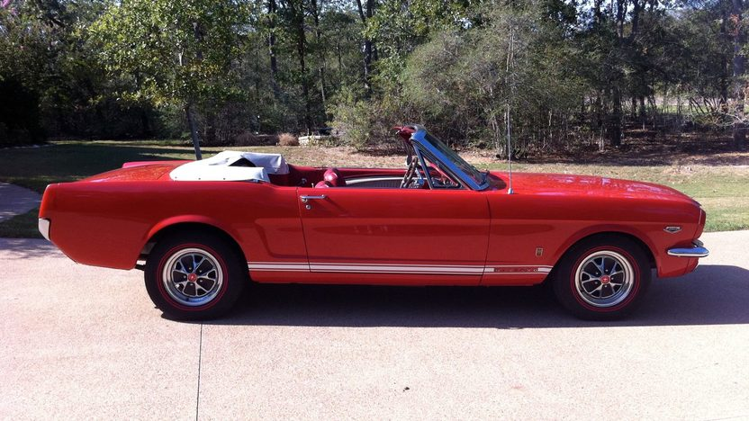 1965 Ford Mustang Convertible 289 CI, 4-Speed presented as lot T189 at Houston, TX 2013 - image2