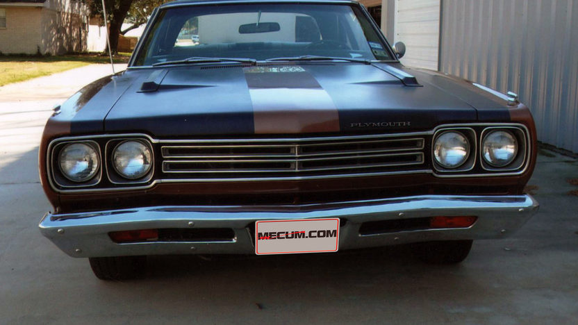 1969 Plymouth Road Runner 383 CI, Automatic presented as lot T215 at Houston, TX 2013 - image7