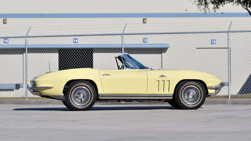 1965 Chevrolet Corvette Convertible 396/425 HP, 4-Speed presented as lot T217 at Houston, TX 2013 - image2