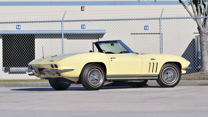 1965 Chevrolet Corvette Convertible 396/425 HP, 4-Speed presented as lot T217 at Houston, TX 2013 - image3