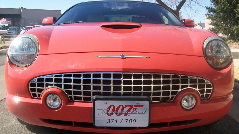 2003 Ford Thunderbird 007 Edition #371 of 700, Two Tops presented as lot T252 at Houston, TX 2013 - image6