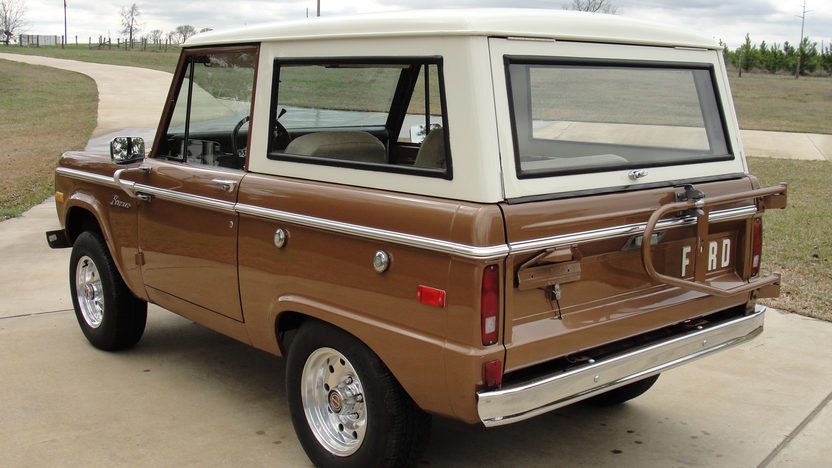1975 Ford Bronco 302 CI, 3-Speed presented as lot T291 at Houston, TX 2013 - image3