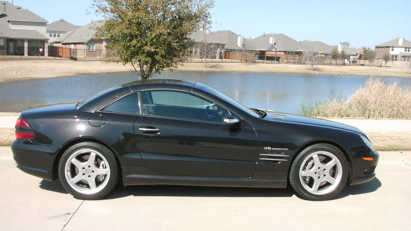 2004 Mercedes-Benz SL55 AMG Convertible presented as lot T316 at Houston, TX 2013 - image2