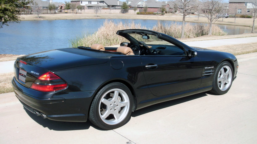 2004 Mercedes-Benz SL55 AMG Convertible presented as lot T316 at Houston, TX 2013 - image3