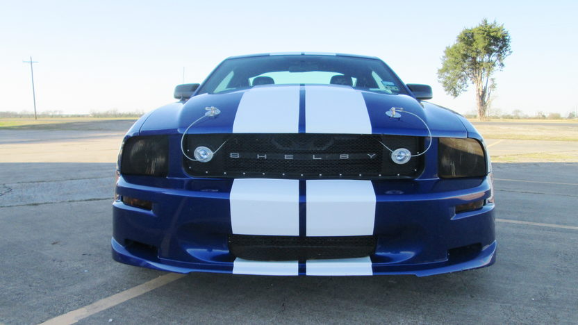 2005 Ford Mustang Coupe 4.6L, 5-Speed presented as lot T319 at Houston, TX 2013 - image7