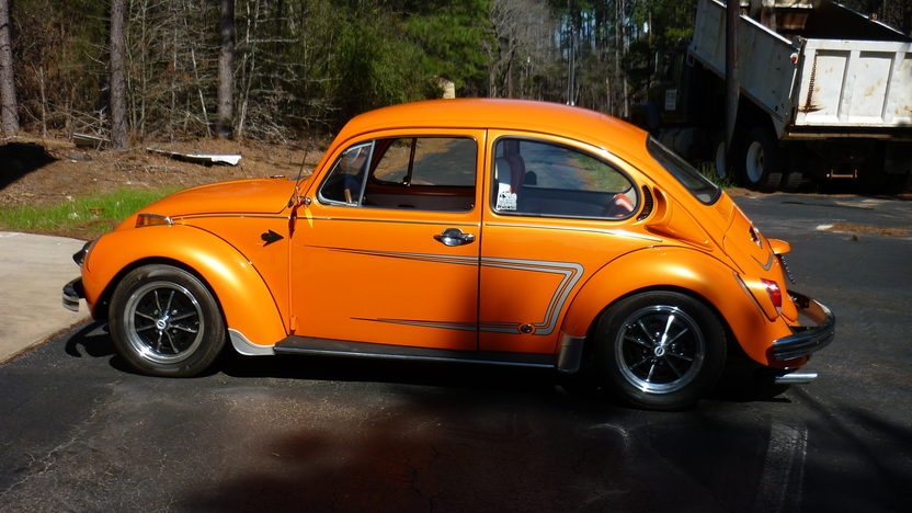 1972 Volkswagen Beetle presented as lot T320 at Houston, TX 2013 - image2