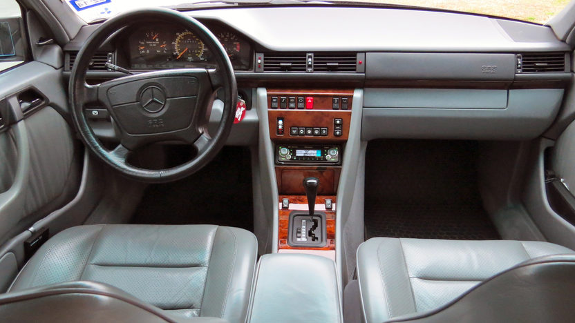 1992 Mercedes-Benz 500E Sedan Formerly Owned by William Shatner presented as lot F20 at Houston, TX 2013 - image4
