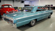 1964 Chevrolet Impala SS Hardtop 409/340 HP, 4-Speed presented as lot F129 at Houston, TX 2013 - thumbail image3
