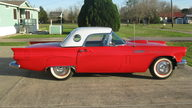 1957 Ford Thunderbird 390 CI, 4-Speed presented as lot F144 at Houston, TX 2013 - thumbail image10