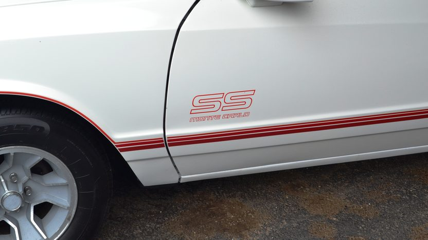 1988 Chevrolet Monte Carlo SS presented as lot F163 at Houston, TX 2013 - image3