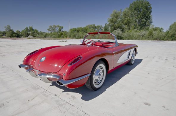1960 Chevrolet Corvette Convertible 283/245 HP, 4-Speed presented as lot F165 at Houston, TX 2013 - image9