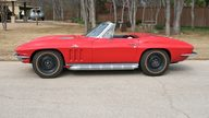 1966 Chevrolet Corvette Convertible 427/390 HP, 4-Speed presented as lot F184 at Houston, TX 2013 - thumbail image2