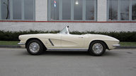 1962 Chevrolet Corvette Convertible 327/360 HP, 4-Speed presented as lot F193 at Houston, TX 2013 - thumbail image2