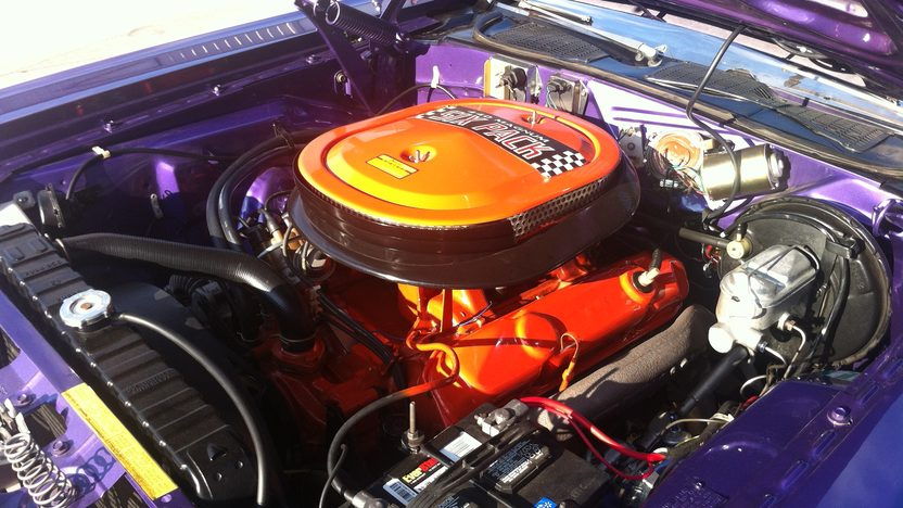 1970 Dodge Challenger R/T SE 440 CI, 4-Speed presented as lot F227.1 at Houston, TX 2013 - image6