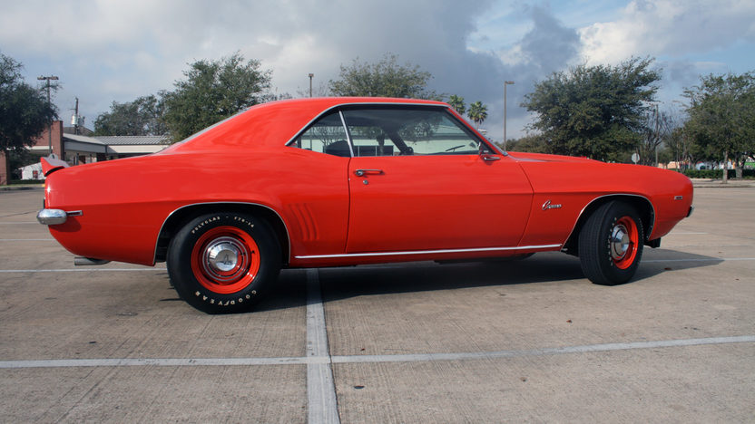 1969 Chevrolet Camaro COPO Replica 427 CI, 4-Speed presented as lot F192 at Houston, TX 2013 - image2