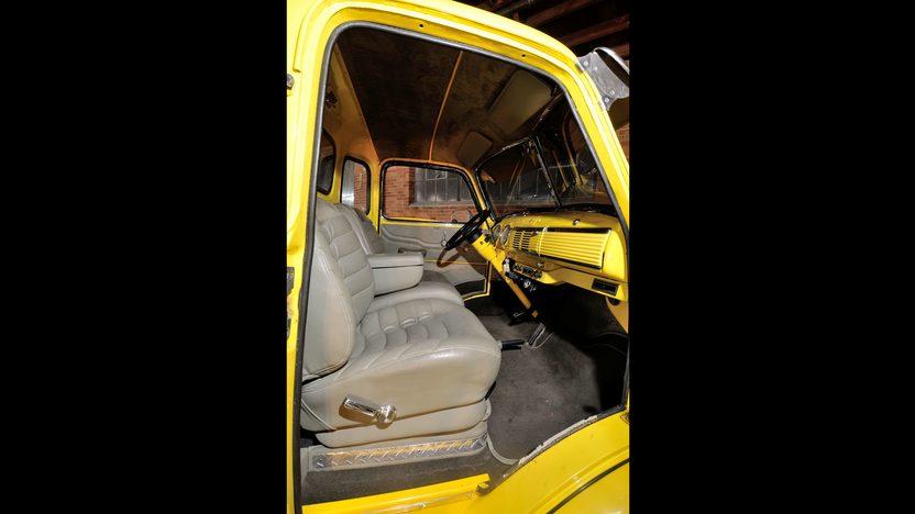 1947 Chevrolet COE Car Hauler 500 CI, 5 Window Cab presented as lot F245 at Houston, TX 2013 - image4