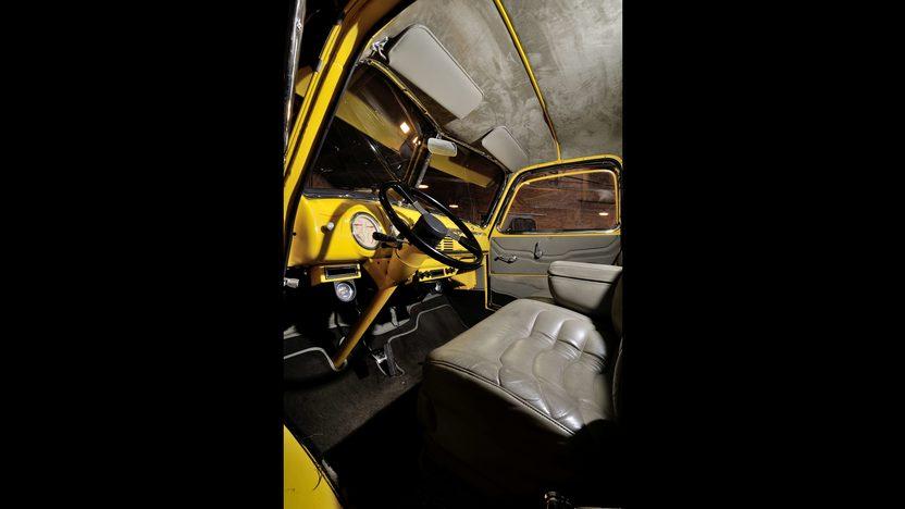 1947 Chevrolet COE Car Hauler 500 CI, 5 Window Cab presented as lot F245 at Houston, TX 2013 - image5