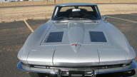 1963 Chevrolet Corvette Split Window Coupe 327 CI, Automatic presented as lot F253 at Houston, TX 2013 - thumbail image10