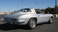 1963 Chevrolet Corvette Split Window Coupe 327 CI, Automatic presented as lot F253 at Houston, TX 2013 - thumbail image9