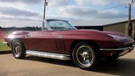 1966 Chevrolet Corvette Convertible 427/425 HP, 4-Speed presented as lot F266 at Houston, TX 2013 - thumbail image9